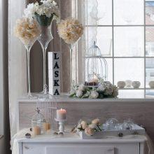 Vázy a svícny